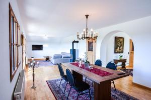 Ferienwohnung Wohn- und Esszimmer